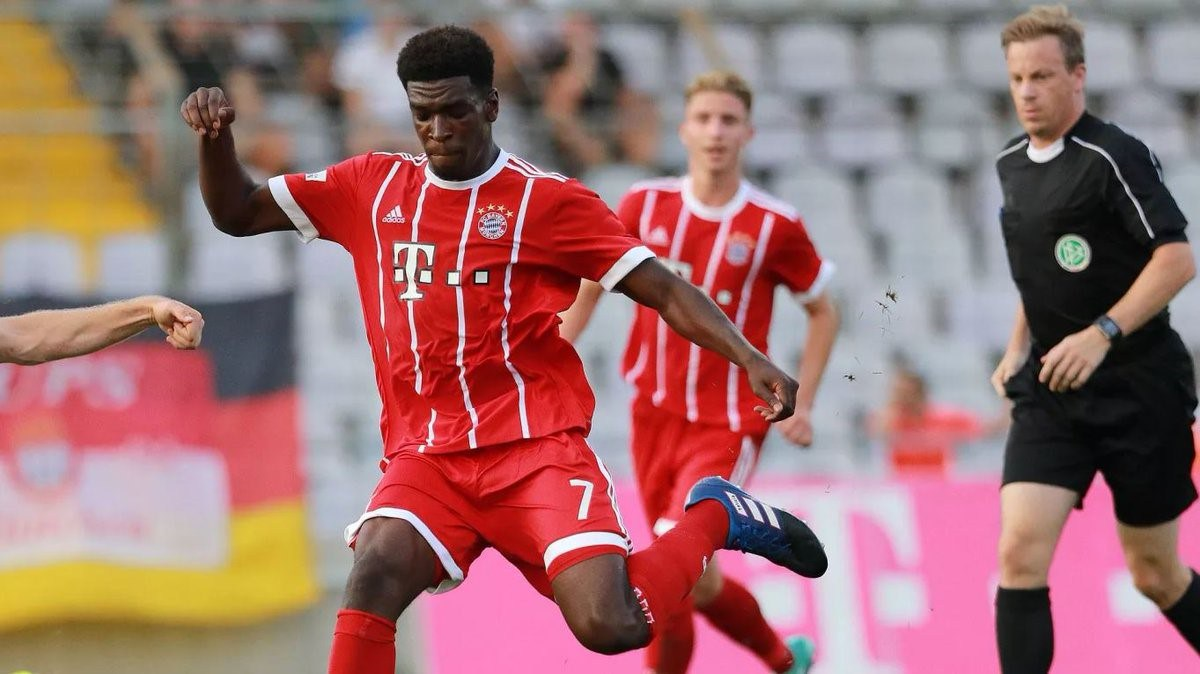 Bayern Munich sharp shooter Kwesi Okyere Wriedt picks Ghana over Germany