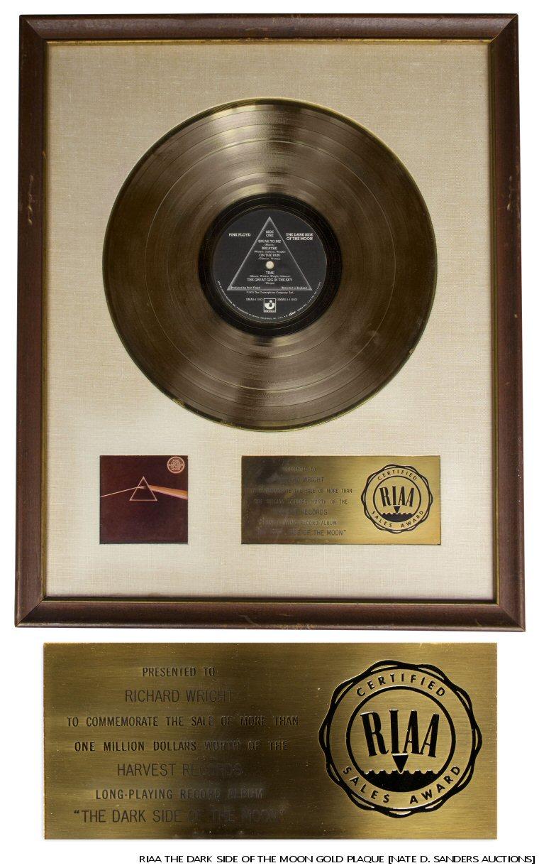 plaque01