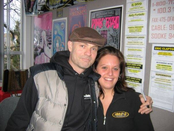 Gord Downie on 100.3 The Q! with listeners, 2007