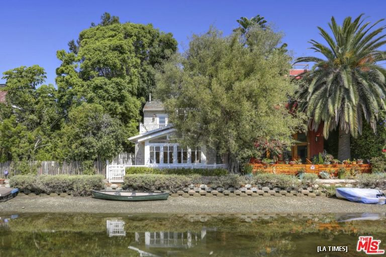 John Frusciante's Venice House Is Up For Sale, Californication Not Included