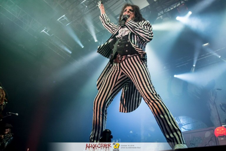 Alice Cooper To Hit The Road With Some Notable Chums