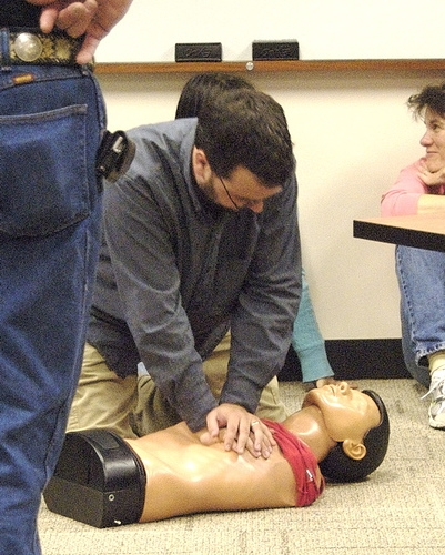 High School Students Get CPR Training