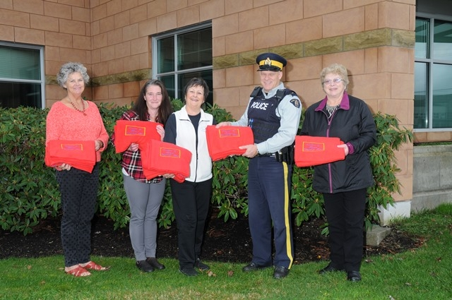 Campbell River RCMP Receive donation from Altrusa Club