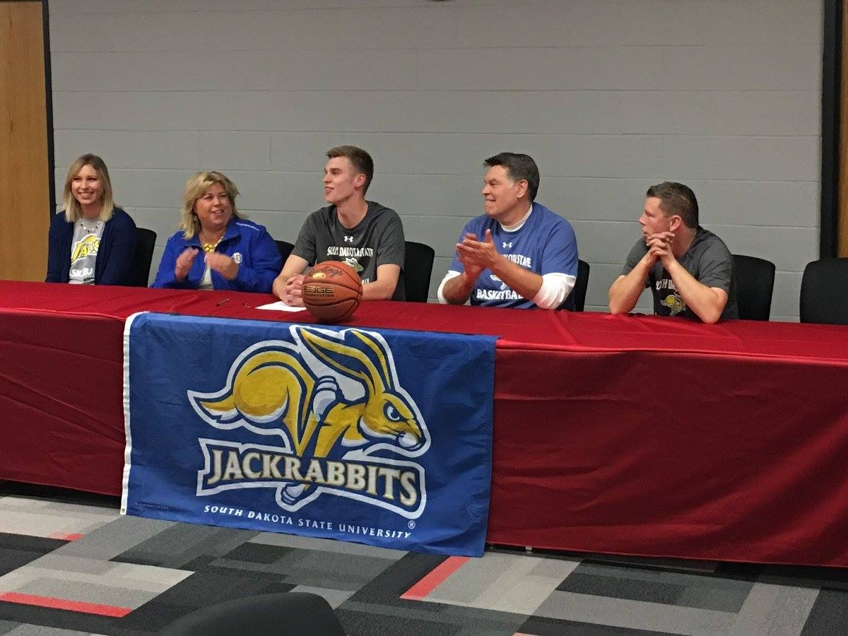 Hortonville Basketball Standout Ryan Krueger Signs On With South Dakota State