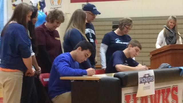 Shawano's Dylan Sumnicht, Kien Moorman, other area athletes sign National Letters of Intent