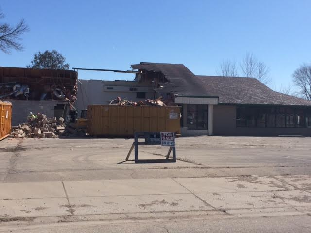 Demolition begins on former Ponderosa building in Shawano