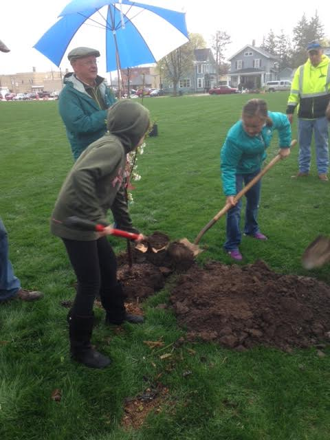 Shawano celebrates Arbor Day