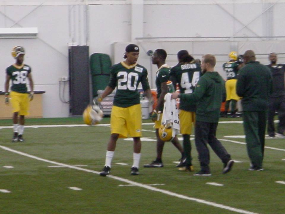 Packers top rookie signs contract