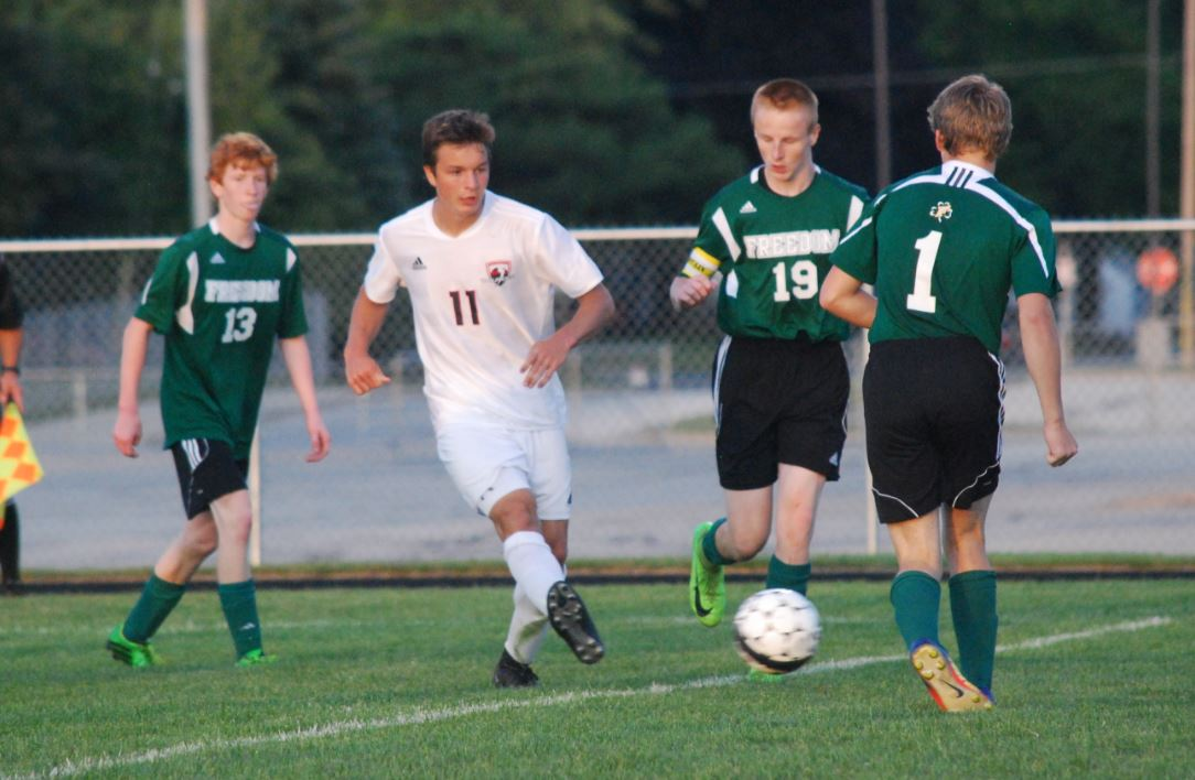 High School Soccer: Seymour hangs on to edge Freedom