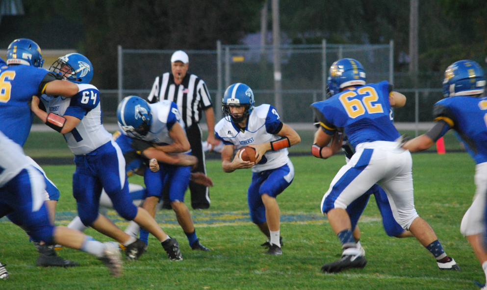 High School Football Friday Scoreboard: Bonduel can't keep up with Amherst, Wittenberg-Birnamwood grinds out win over Shiocton