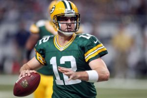 Rodgers works on side as teammates practice