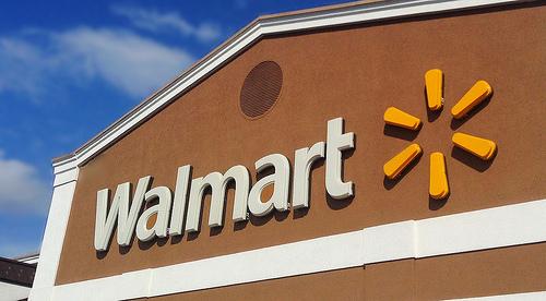 Walmart shoplifters slip away
