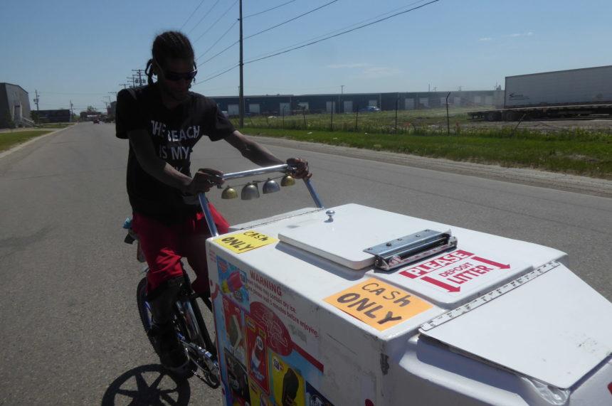 Dickie Dee bikes bring summer treats during Sask. hot spell