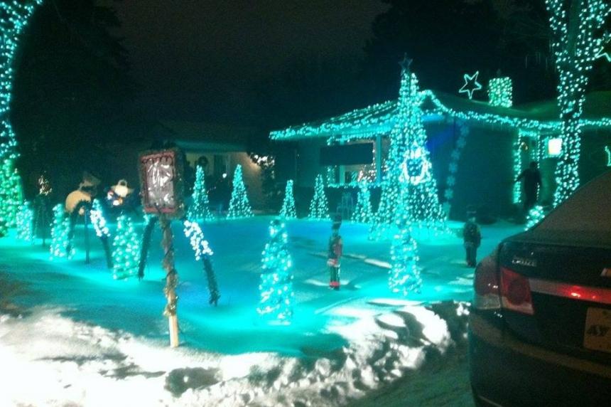 Biggest Christmas display in Saskatoon has 70,000 LED lights
