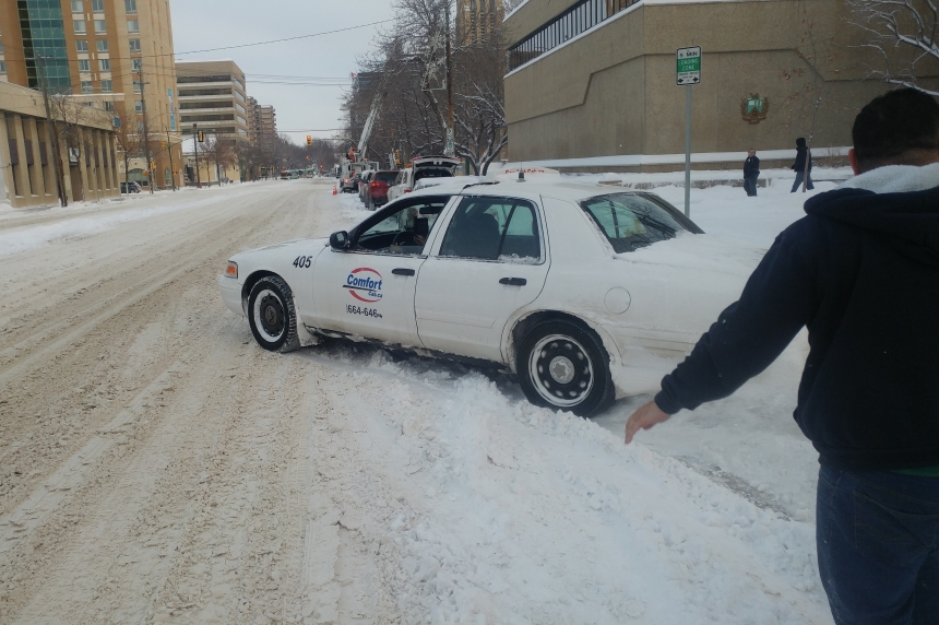 'Let them do their job': City asks for patience after snow cakes roads in Saskatoon