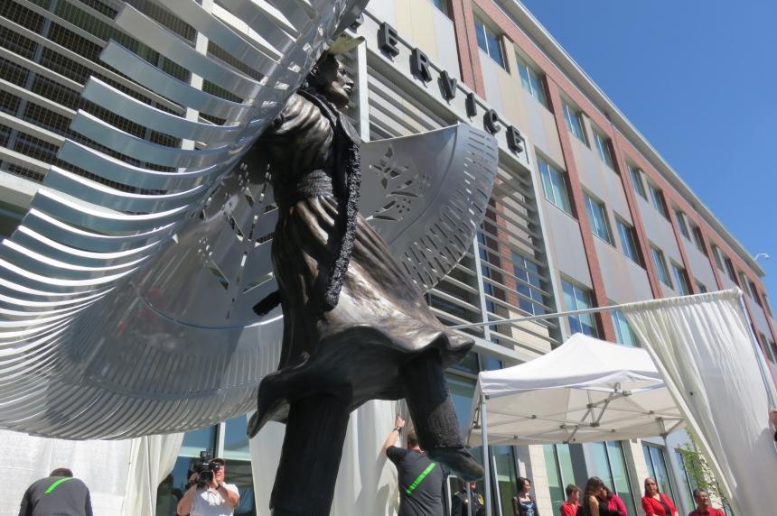 Monument to MMIW unveiled at Saskatoon police HQ
