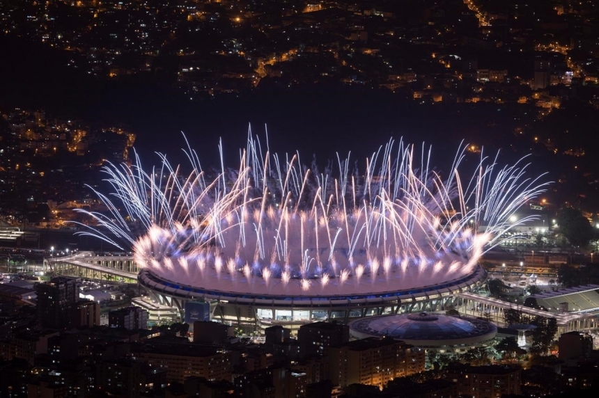 Rio welcomes world with sultry music, plea for conservation