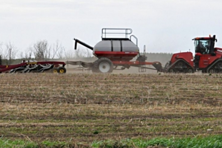 Farmers not ready to begin seeding despite warmth, sunshine