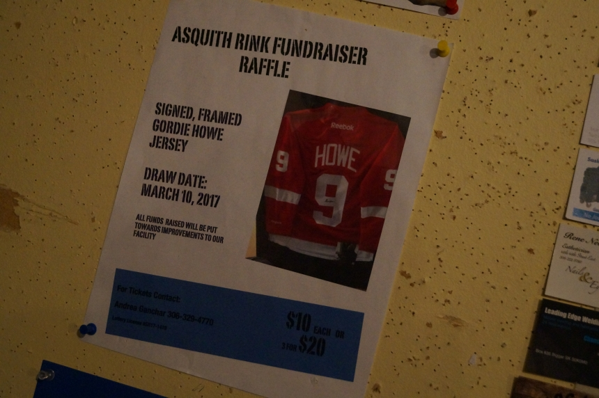 Asquith family donates signed Gordie Howe jersey to save arena fundraiser