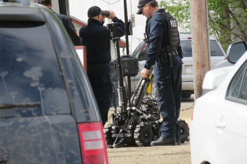 Police respond to bomb threat on Avenue P South
