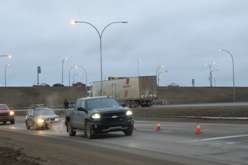 Saskatoon councillor advocating for review of Circle Drive East barriers