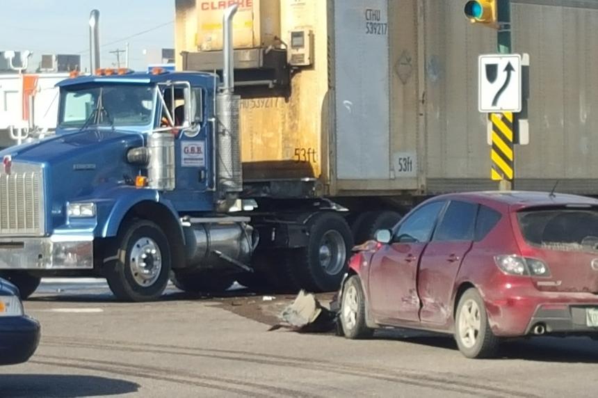 UPDATE: Saskatoon intersection open after fuel spill causes gridlock