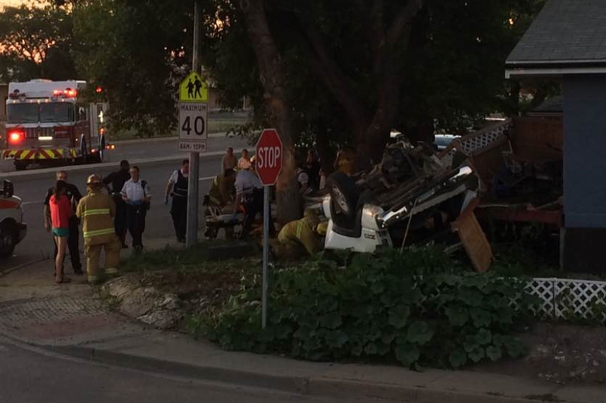 UPDATE: 2 suspects arrested, charged after 2 crashes in Regina