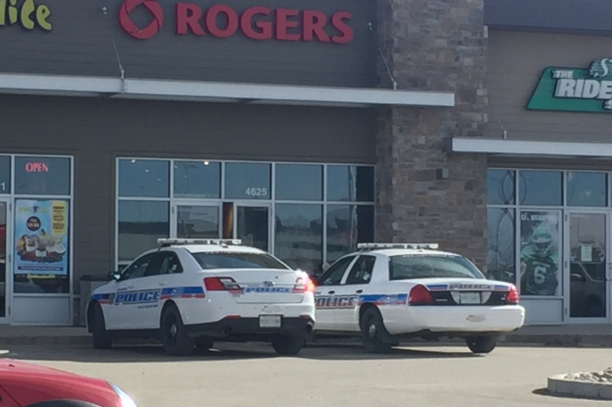 Rogers store robbed at Harbour Landing location in Regina