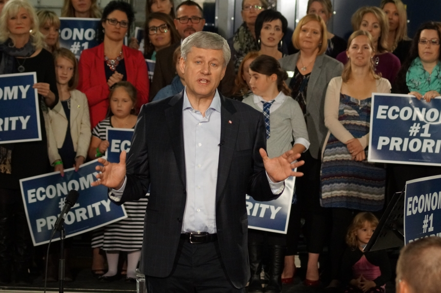 Harper promises to extend parental leaves, enhance EI benefits
