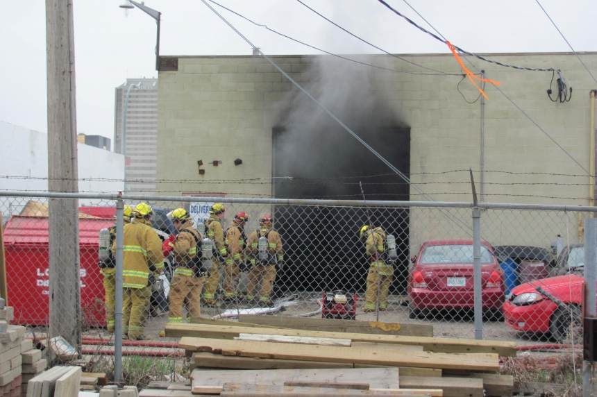 Fire at auto body shop in Regina