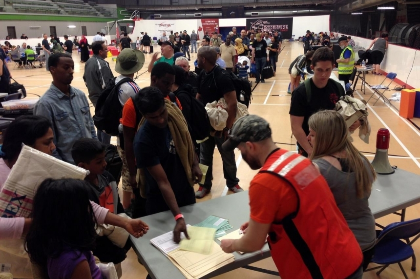 Red Cross warns of scams as Fort McMurray evacuees recieve aid