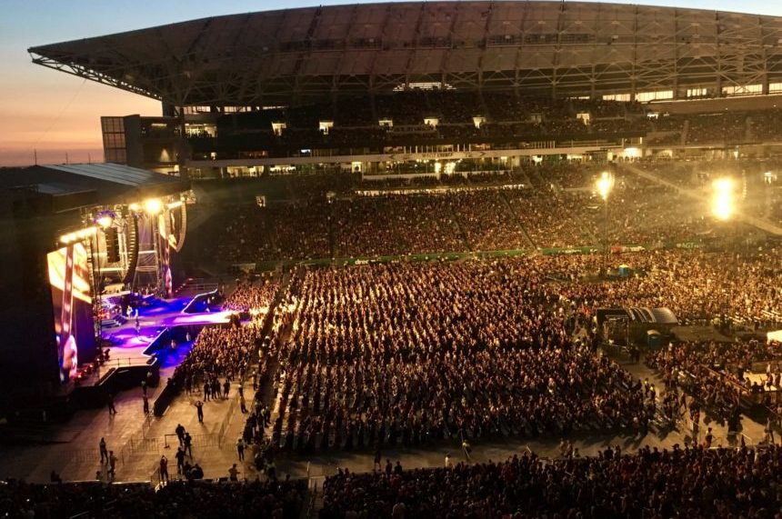 'Number 1 rock band' Guns N' Roses pleases fans at Mosaic Stadium