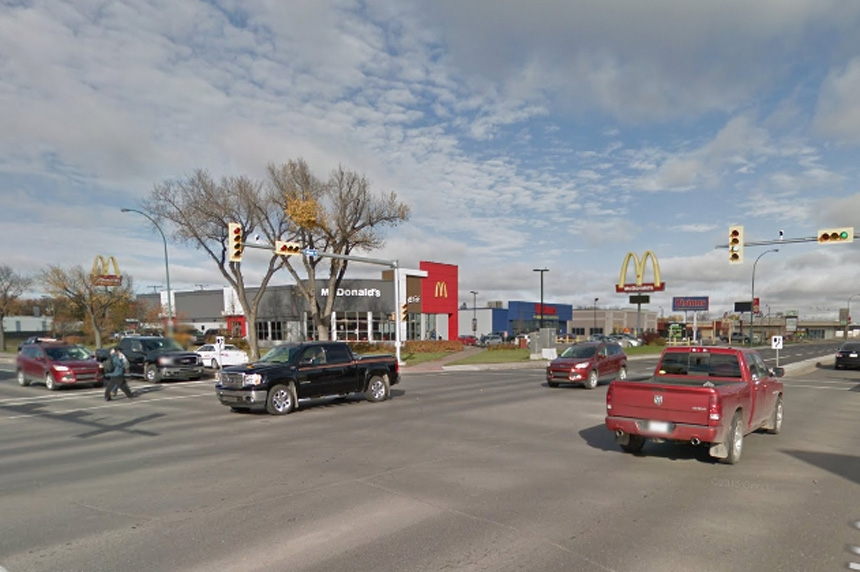 Cyclist struck by vehicle on Regina's Albert Street