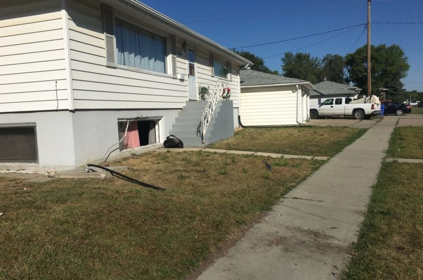 'The building was shaking:' van crashes through Regina home