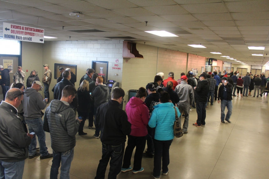 Early bird gets the tickets as Pats Game 7 sells out