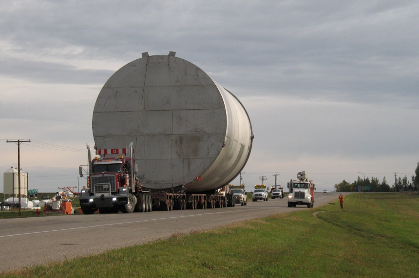 Massive tanker move delayed by heavy rain