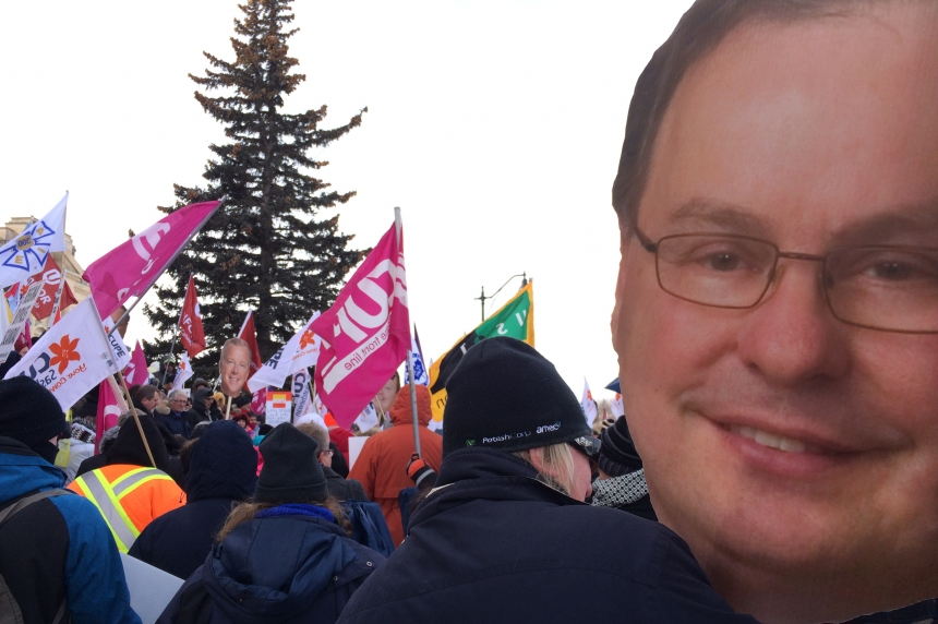 Union workers protest proposed cuts from Sask. government