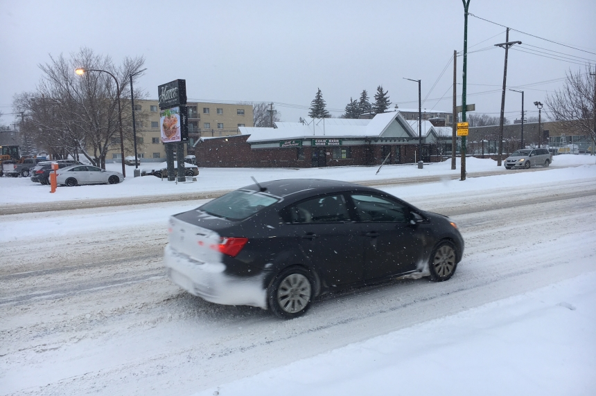 A blast of winter leaves Saskatoon with a fresh layer of snow, rest of Sask. with icy roads