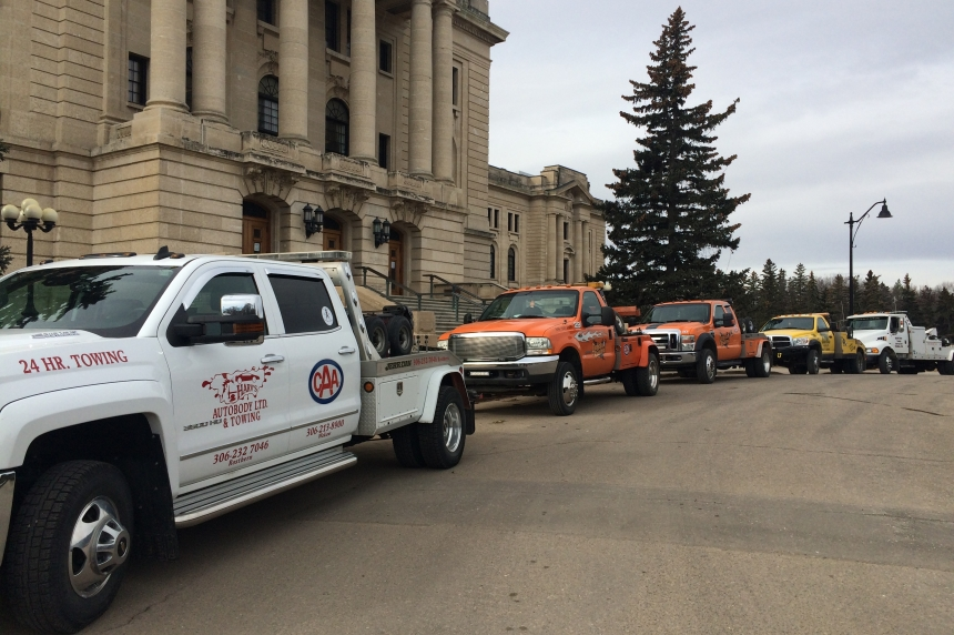 Blue lights coming to Sask. tow trucks