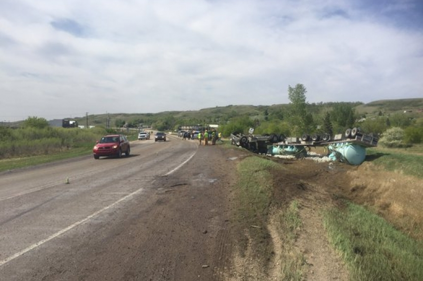 Semi trailer spills fertilizer on Highway 20 near Craven