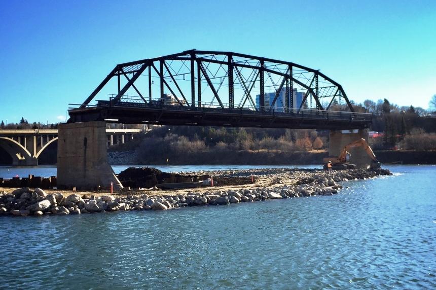 Teardown begins on last span of old Traffic Bridge