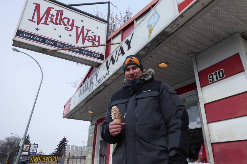 Frozen customers line up for frozen treat as Milky Way opens for season