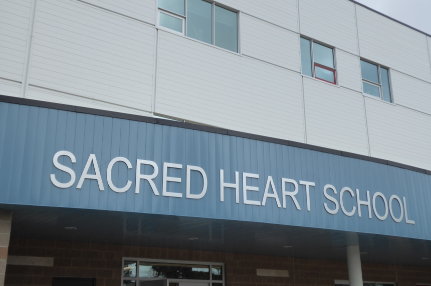 Regina students move to new Sacred Heart School