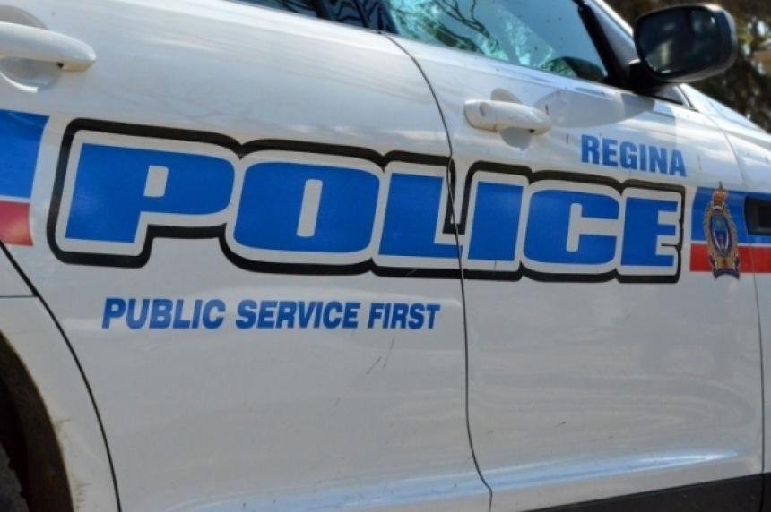 Regina police seize knife, shotgun and masks after pulling over vehicle