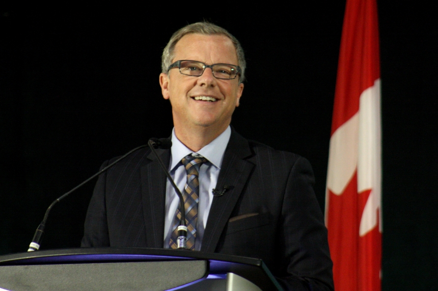 Premier Brad Wall gets extra top-up salary from Sask. Party