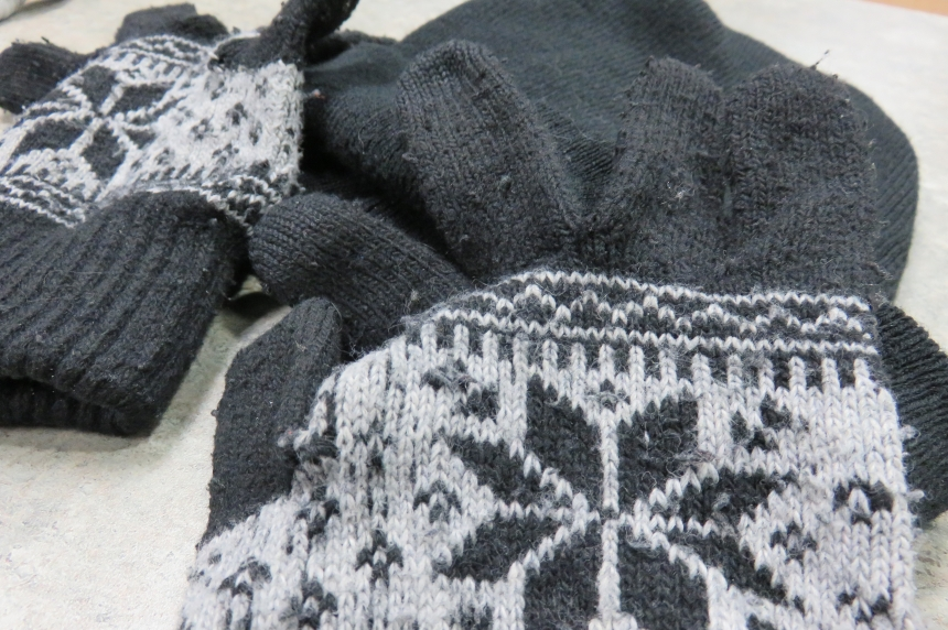 Saskatoon video producers 'pay it forward' with free toques and mitts over the holidays