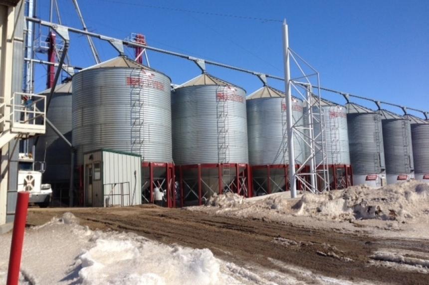 Snow slowing harvest in Saskatchewan