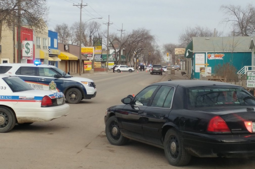 Officer injured while trying to stop stolen vehicle: Saskatoon police