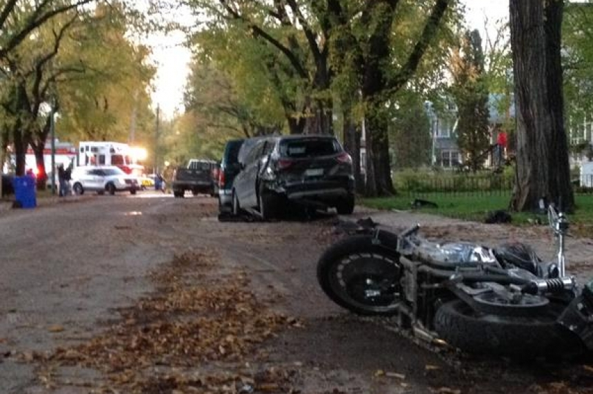 2 charged after stolen truck leaves path of damage along Regina's Athol Street