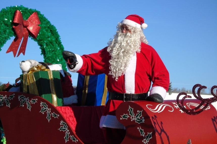 Santa Claus comes to town for annual parade in Regina
